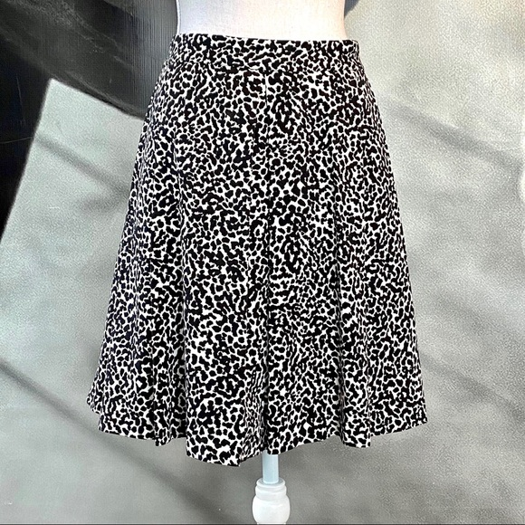 Banana Republic Factory Dresses & Skirts - Banana Republic leopard print skirt